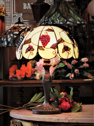 Tiffany Style Grape Lead-lite Table Lamp
