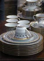 Noritake Dinner Set Raised Gilt Edging 'Shceherazade' Pattern 50 pieces