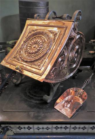 Highly Decorative Victorian Copper Coal Scuttle & Scoop $595