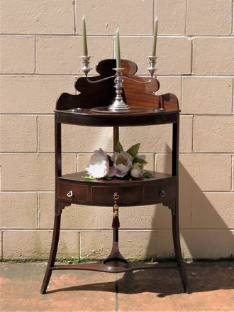 Georgian Gentlemen's Wash Stand Corner Shelf $1875.00