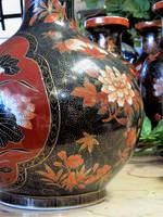 Vintage Hand-Painted Chinese Porcelain Bulbous vase